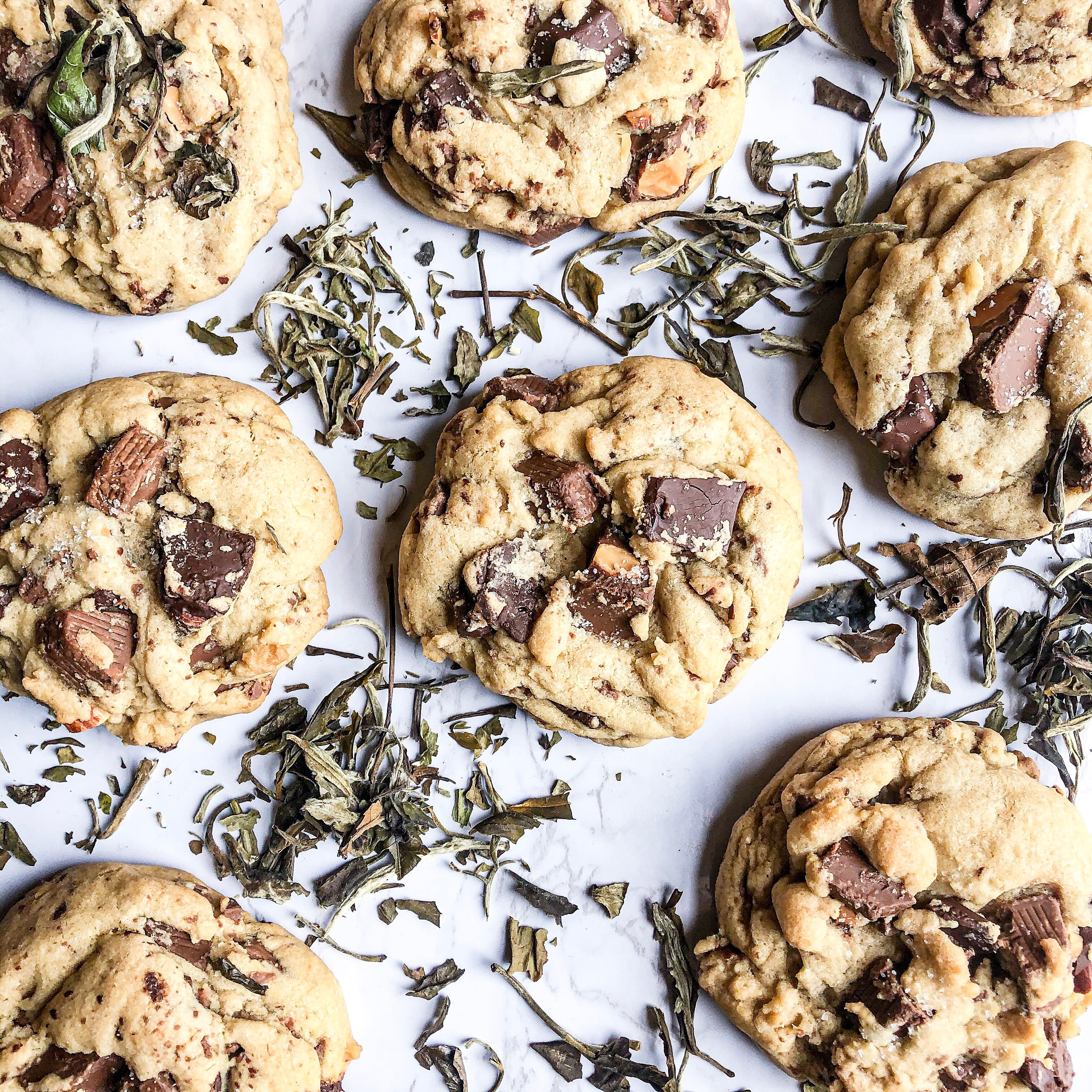 Super chunky chocolate chip cookies
