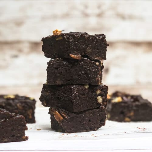 Healthier fudgy avocado brownies