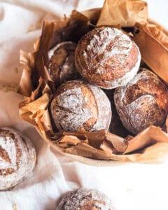 Honey oat sourdough bread rolls (no knead)