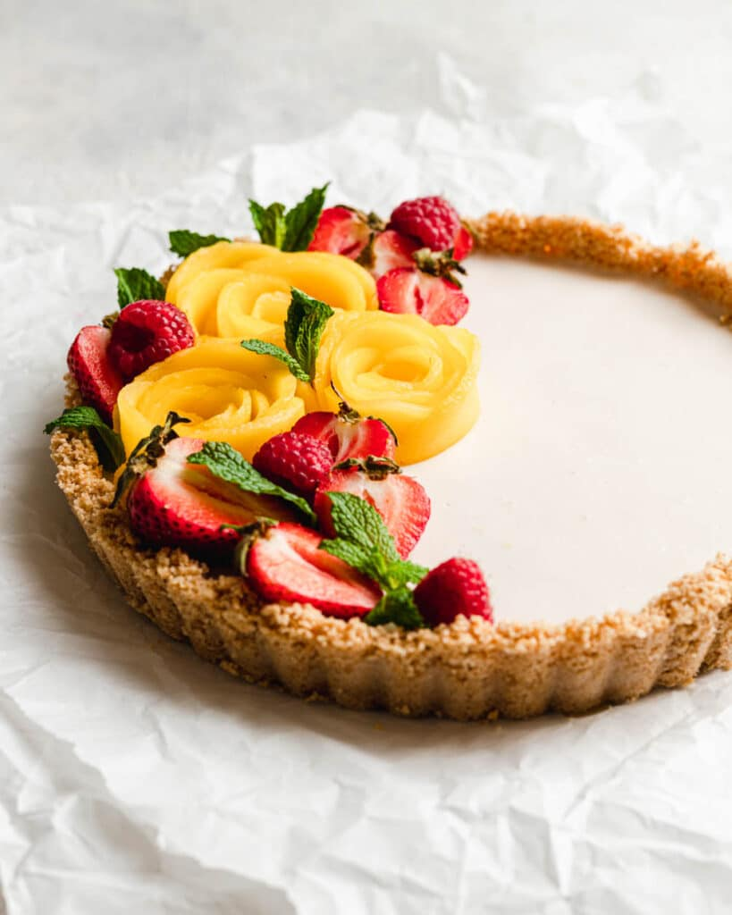 No bake coconut tart with fruit
